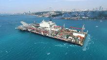 Malta bayraklı dev kablo gemisi İstanbul Boğazı'ndan geçti