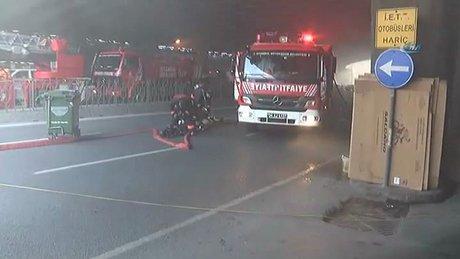 Fatih'te Bisikletçiler Çarşısı'nda yangın çıktı