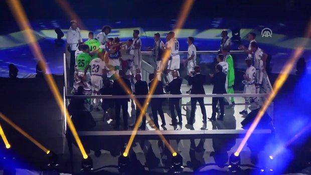 Real Madrid'den kupa kutlaması
