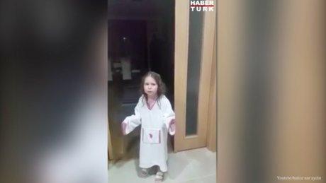 Annesi ve babasını kıskanan küçük kızın şirin yakarışı