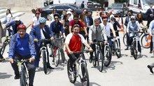 Milletvekilleri Meclis'te bisikletle tur attı