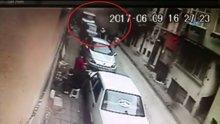 Kumkapı'daki binanın çökme anı kamerada