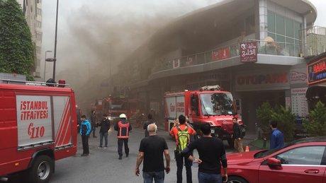 Taksim Talimhane'de dumanlar yükseldi