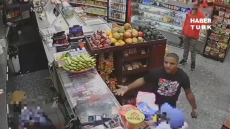 Market kasiyerine avokadolu saldırı!