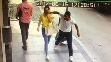 Çanakkale'de yolda yürüyen kadının güneş gözlüğünü çaldılar
