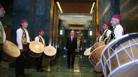 Cumhurbaşkanı Erdoğan'ı Kırşehirli davulcular karşıladı
