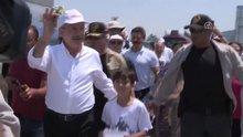 CHP Genel Başkanı Kemal Kılıçdaroğlu yürüyüşte Bozkurt işareti yaptı