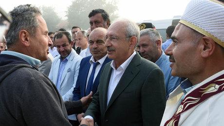 Kılıçdaroğlu, Bayram Namazını Bolu Karaağaç Köyü'nde kıldı