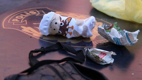 Bebek çoraplarından çıkanlar şoke etti!