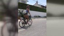 Cansu Taşkın bisikletle böyle gezdi