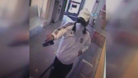 Şişli'de banka soygunu saniye saniye kamerada