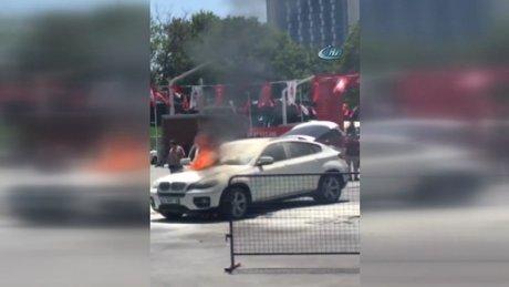 Taksim'de panik anları, lüks cip alev alev yandı