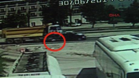 Anne ve bebeğinin öldüğü kaza görüntüleri ortaya çıktı!