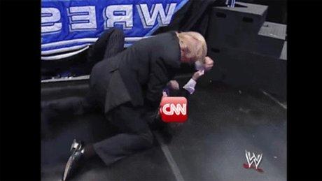 Trump CNN'i dövdüğü videoyu paylaştı