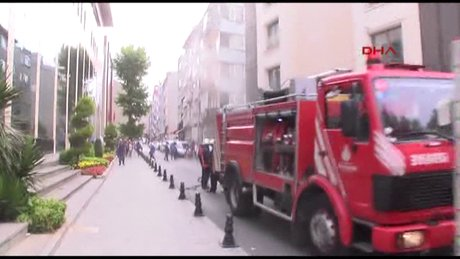 Fatih'te bir otelde yangın çıktı