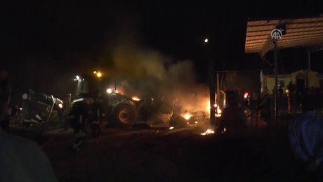 Yakıt tankeri ile TIR çarpıştı: 3 ölü