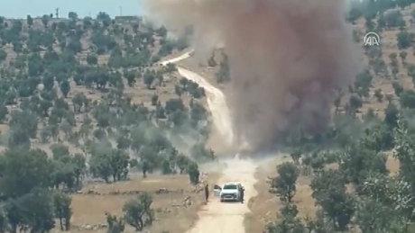Mardin'de PKK'lı teröristlerce yola tuzaklanan 200 kilogram patlayıcı imha edildi
