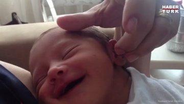Uykudaki bebeğin sevimli halleri