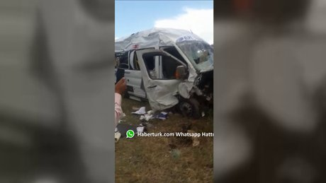Horasan'da minibüs şarampole yuvarlandı: 1 ölü 10 yaralı