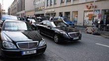 Cumhurbaşkanı Erdoğan'ın konvoyu Hamburg'da bekletildi