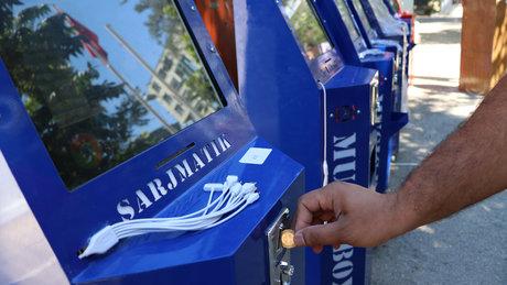 Adana'da 'şarj etme ve sakız makinesi' görünümlü 42 kumar makinesi ele geçirildi
