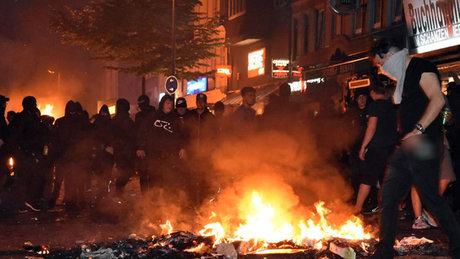 G20 Liderler Zirvesi'ni protestoda şiddet eylemleri gece devam etti