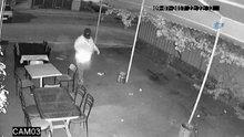 """Güvenlik kamerasına yakalanan """"Maskeli Beşler"""" esnafta huzur bırakmadı"""