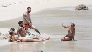 Messi balayı tatilinde böyle görüntülendi!