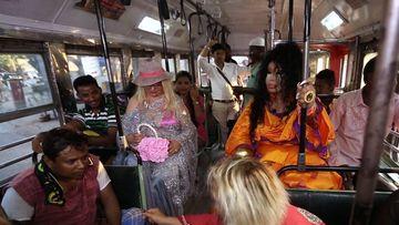 Dünya Güzellerim'in Hindistan'da otobüs yolculuğu!