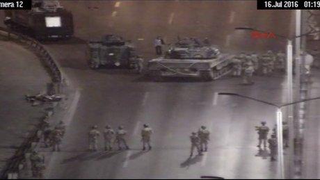 15 Temmuz Şehitler Köprüsü'nde yaşananlar kamerada