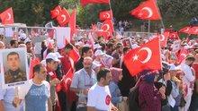 Vatandaşların 15 Temmuz Şehitler köprüsü'ne yürüyüşü başladı