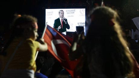 Telefonla konuşma yapmak isteyenlere Erdoğan sürprizi