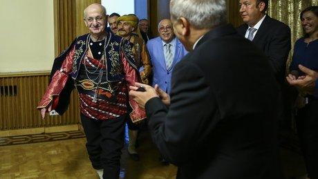 TBMM Başkanı İsmail Kahraman, 'seymen' kıyafeti giydi