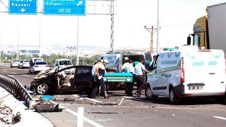 Kayseri'de trafik kazası: 4 üniversite öğrencisi hayatını kaybetti, 2 yaralı