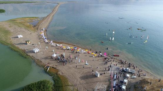 Van Gölü'nde halk plajı