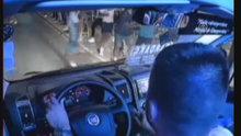 Deprem anında minibüs yolcularının paniği kameralara yansıdı