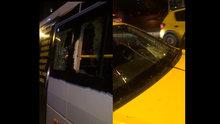 İstanbul'da bir otosanayi önünde camlari patlayan araclar sıraya girdi