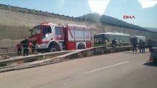 Kocaeli'de hafriyat kamyonu devrildi