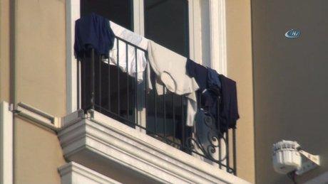 Taksim'de Lüks otelin balkonuna çamaşır astılar