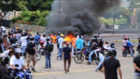 Venezuela'daki tartışmalı seçimlerde yaşanan olaylarda 10 kişi öldü