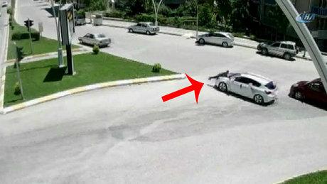Bahşiş için gelin arabasına kaza yaptırdı!