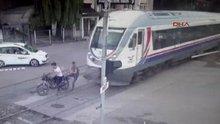 Hemzemin geçitte trenin çarptığı genç öldü
