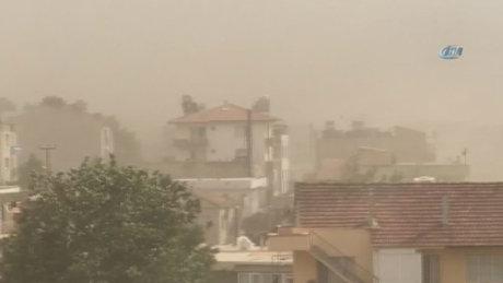 İzmir Selçuk toz bulutu altında