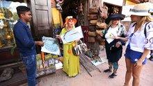 Dünya Güzellerim Katmandu'da alışverişte!