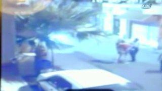 İZMİR'DE GENÇ KIZLARI DARP EDEN POLİS KAMERADA