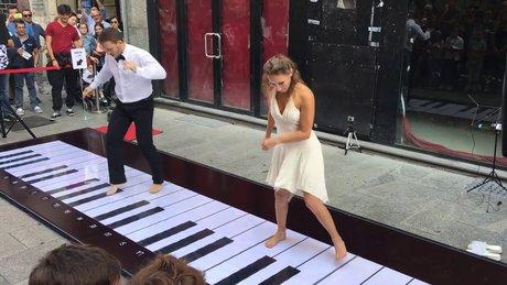 Ayaklarıyla şov yaptılar!