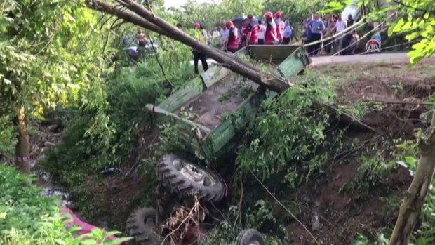 Sakarya'da işçileri taşıyan servis kaza yaptı: 7 ölü