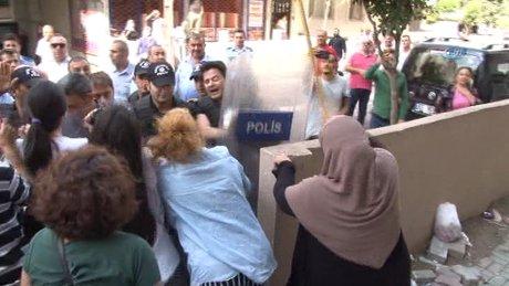Kadınların yıkım ekiplerine karşı mücadelesi kamerada