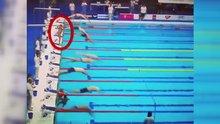 Yüzme yarışında anlamlı hareket