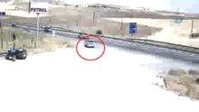 Dekan'ın ölümüne neden olan kazada aracın ters yöne girmesi kamerada